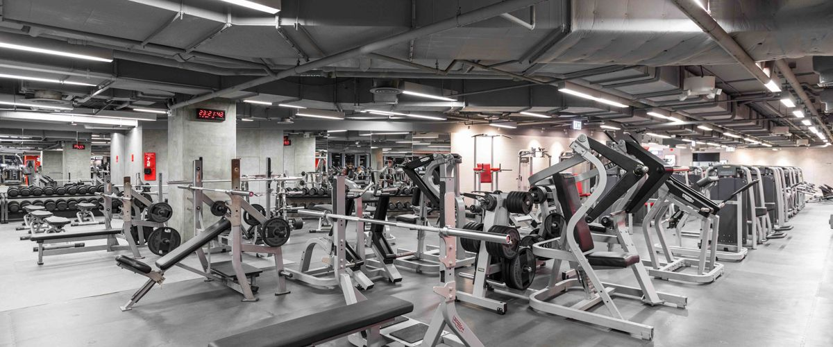 Fitness First Platinum Siam Paragon Weight Area