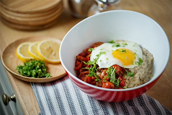 Savoury Oatmeal with Fried Egg